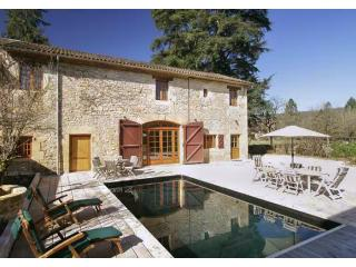4 bedroom Villa in Saint-Leon-sur-Vezere, Nouvelle-Aquitaine, France : ref 54549