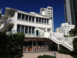 2 Story OCEAN FRONT Townhouse Kitchen Pool $$VIEW!, Miami Beach