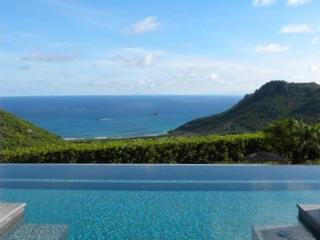 Modern villa tucked away full of surprises with sweeping views WV VLY, San Bartolomé