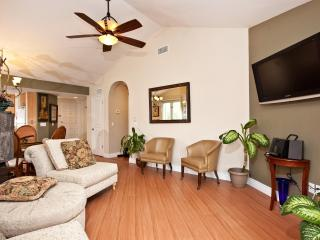 Stylish Large  2BR / 2BA  Luxury Fully Furnished, La Jolla