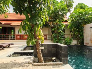 VILLA JASMINE- A FAMILY 3 BEDROOM POOL VILLA - Breakfast  Chef service available