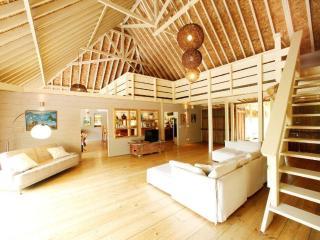 Villa Miki Miki - deluxe beachfront villa - TIS, Temae