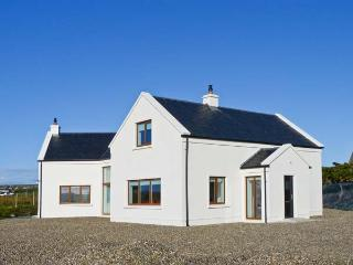 RANNAGH VIEW, detached, sea views, off road parking, garden, in Liscannor, Ref 21153