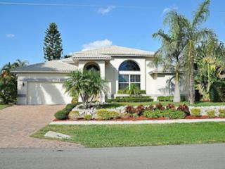 Olive Ct. - OLI910 - Gorgeous Waterfront Home!, Marco Island