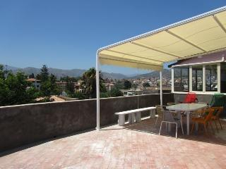 Beachfront 2-bedrooms apartment Best Etna&Sea view, Giardini-Naxos