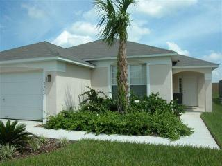 Emerald Island Delight - Fantastic Vacation Rental with Free Pool Heat, Kissimmee