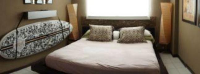 King Size Bed - 5 Soft pillows