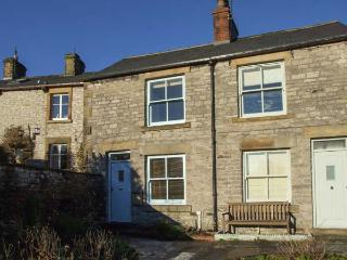 3 CHERRY TREE COTTAGES, countryside views, woodburner, in Bradwell, Ref 17586