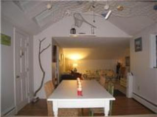 Adorable 2 Bdr Cottage Apartment _ Casino Beach, Cape Elizabeth