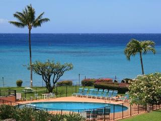 Fabulous view, 2 king beds, wi-fi, free parking., Lahaina