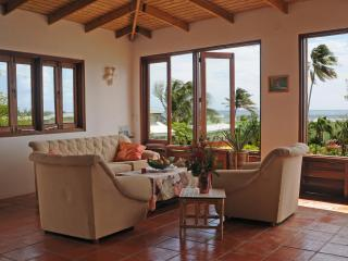 Large Family Ocean Flat with 2 bedrooms