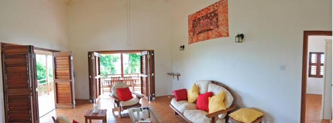 Two Bay Villa with private swimming pool and AC