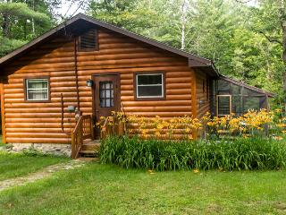 Babbling Brook Cabin - 1 Mile to Gore Mountain