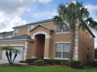 Luxurious 7 bed in Emerald Island 3 mile to Disney, Kissimmee