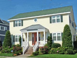 276 90th Street, Stone Harbor