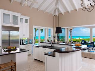 Seabreeze Villa,    Great offers from the owner, Providenciales