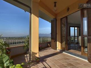 Amazing Tuscan Home With Countryside Views and AC!, Montopoli in Val d'Arno