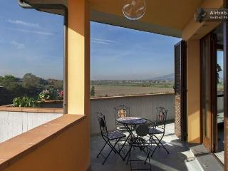Amazing Tuscan Home With Countryside Views and AC!
