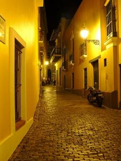 Callejón del Hospital (alley where the famous Newyorican café is) is just one block from the loft.
