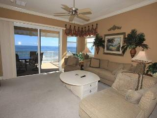 Closest to the Amenities!! CB 855 5th Floor Direct Oceanfront Corner Beauty!!