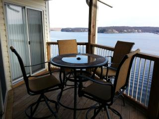 Ledges (10310) 2 BR Condo with Awesome Lake View, Osage Beach