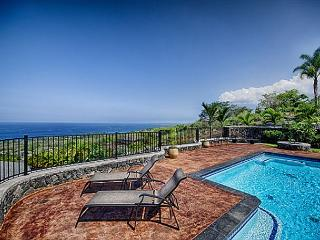 Beautiful 4 bedroom home with Private Pool and unobstructed Ocean views, Kailua-Kona