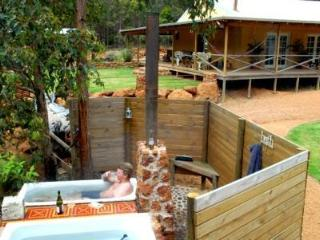 NannupBushRetreat,soothing nature,all the comforts
