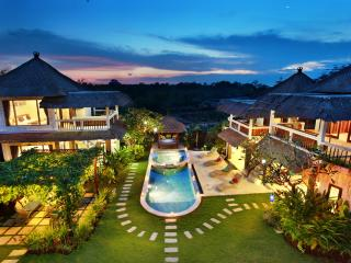 Nona's Bali Dream villa for families and friends, Jimbaran