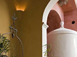 El Portico de la Candelaria  NYTimes recommended, Mérida