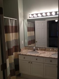 Double vanity master bath with granite counter tops