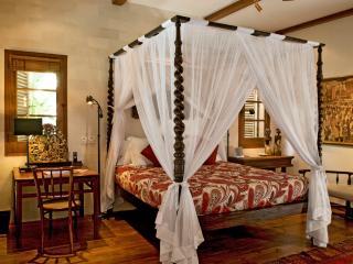 Villa Oost Indies '3 bedrooms Villa Seminyak Bali'