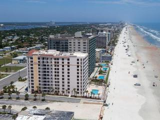 Daytona Beach Dir Ocnfrnt Opus 2nd Flr, 3 Bd 3 Ba Condo*JANUARY LOWEST RATE*