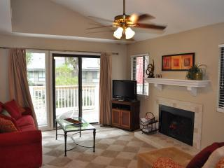Updated & Closest to the Beach 1BDR - 2Full Baths, Hilton Head