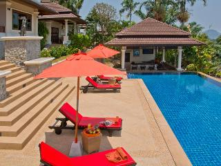 ORIOLE - LARGE LUXURY 5 BED POOL VILLA NR BEACH, Bang Tao Beach