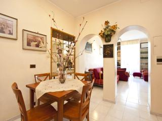 In Trastevere, 2 bedrooms, 2 bathrooms, Wi-Fi, A/C, Roma