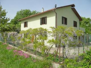 Villa near the Adriatic sea and Apennines in Italy, Roccascalegna