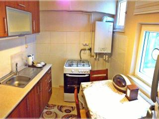 Cosy flat with kitchen and courtyard, Istanbul