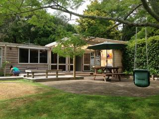 The Cheeky Tui Holiday Cabin, Lake Tarawera, Rotorua