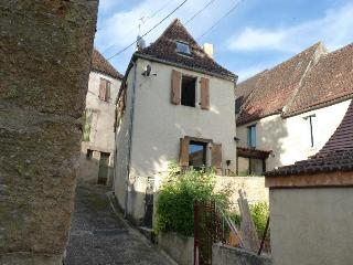 16th Century French Townhouse, Dordogne, France (F, Saint-Cyprien