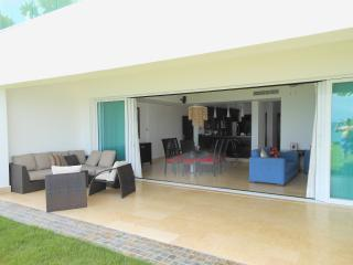 A Fabulous and Relaxing Oceanfront Condo!, Sosúa