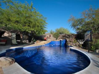 Luxury 5,000 ft home heated diving pool, spa ++, Scottsdale