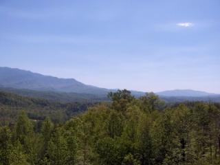 2 BR + Loft Condo Panoramic Vistas C301, Gatlinburg