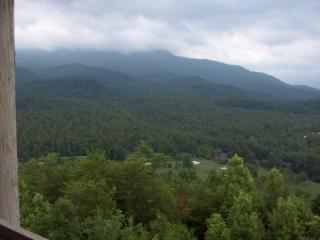 2 BR Condo Mountain Views D203, Gatlinburg