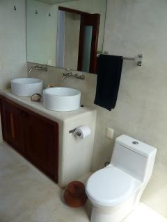 Villa Roja bathroom