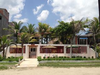 Casa Hotel Galeones - Beach Front House, Cartagena
