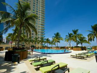 Fabulous Luxury 2BR Apt. in Brickell's One Broadway!, Miami