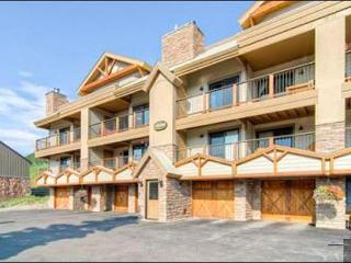 Spacious & Welcoming Vacation Condo - Located by the Peachtree and T-Bar Lifts (1361), Crested Butte