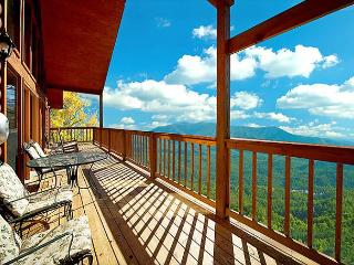 Amazing Mountain Views - 3 Bedroom Cabin, Sevierville