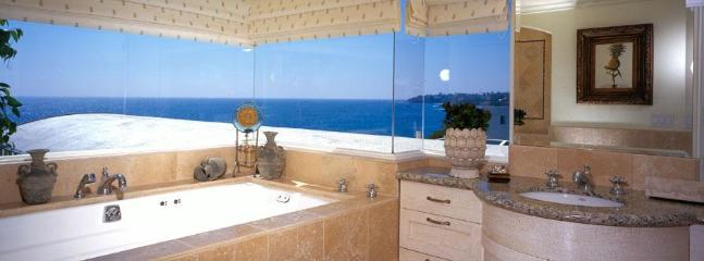 Villa Majorca Master Bath