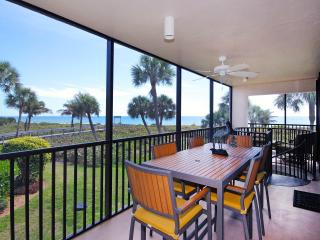 Sundial R206 has the view you come to Sanibel for!